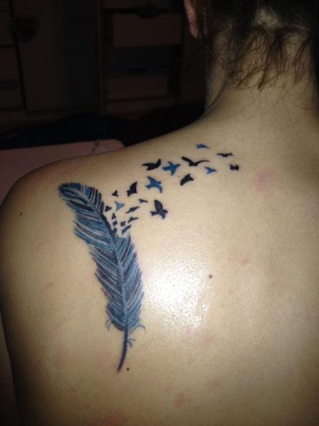 Audrey.H: Feder | Tattoos von Tattoo-Bewertung.de