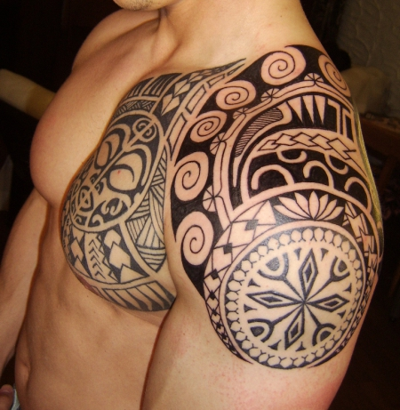 beste schulter tattoos tattoo lass deine. Black Bedroom Furniture Sets. Home Design Ideas